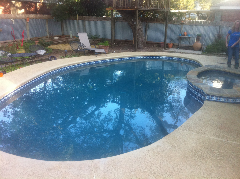 Remodeled pools photo gallery paradise pool plastering for Pool plaster